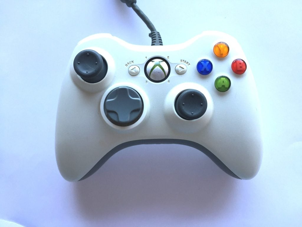 Official Xbox 360 Wired White Controller | Baxtros
